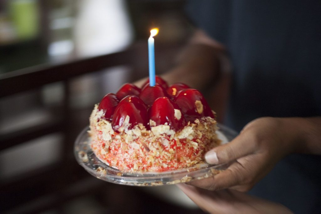 birthday-cheesecake_t20_Yzzyb4